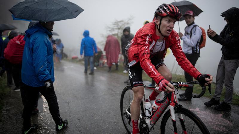 Mooiste beelden van Giro-etappe over Mortirolo