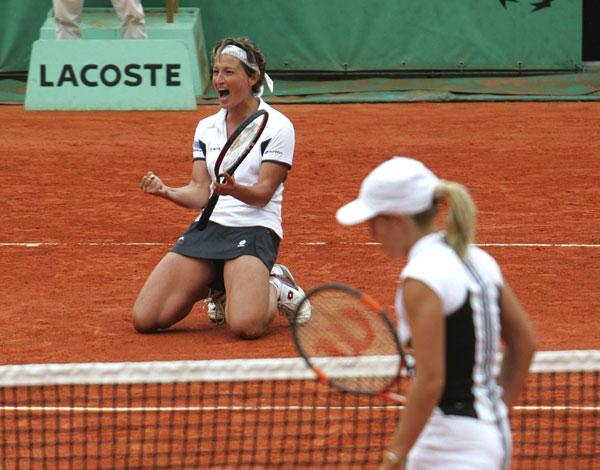 Justine Henin - 2 - Page 17 2004garbin